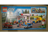 Lego CITY 60132 Service Station 100% Complete