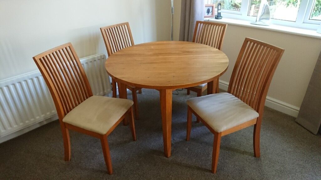 Round Dining Room Table And Four Chairs In Oakley Hampshire Gumtree