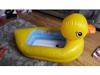 Munchkin bath duck