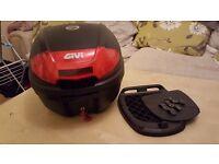 Givi 30L motorcycle top box