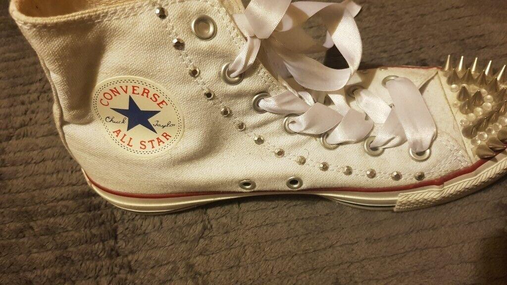 0b1051b2c557 Womens customised Converse size 5.5