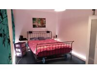 DOUBLE ROOM for rent 3OO£*. all bills inclusive , Paisley Center , see description