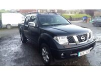 breaking black nissan navara D40 euro 4 4x4 parts spares