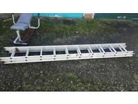 Light weight extension ladder