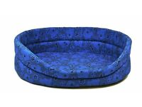 ** BRAND NEW ** Traditional style oval dogs bed