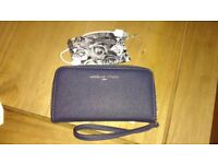 Ladies wallet purse Rfid protected with battery pack