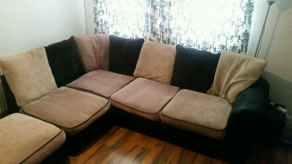 BEAUTIFUL CORNER SOFA BARGAIN NEED GONE200 ONOin Sandwell, West MidlandsGumtree - Beautiful corner sofa in great condition. Will look amazing in anyones home. Only selling due to moving. Need gone asap, £200 ONO
