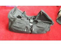 EXCELLENT CONDITION LARGE WHEELED BAG