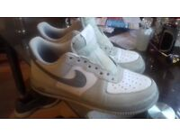 Size 7 Nike Air Force 1 trainers