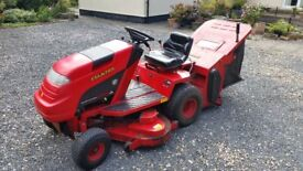 """COUNTAX HYDROSTATIC C800HE 48"""" DECK RIDE ON MOWER WITH GRASS BOX"""