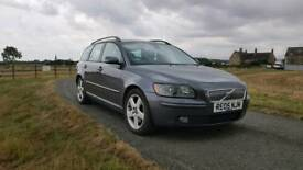 Volvo V50 estate diesel. Full leather ice cold air con Service History