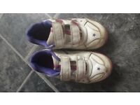 Girl sport shoes size 8