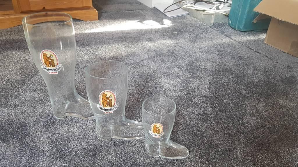 Set of novelty glasses