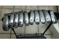 Golf clubs mens right hand set of irons