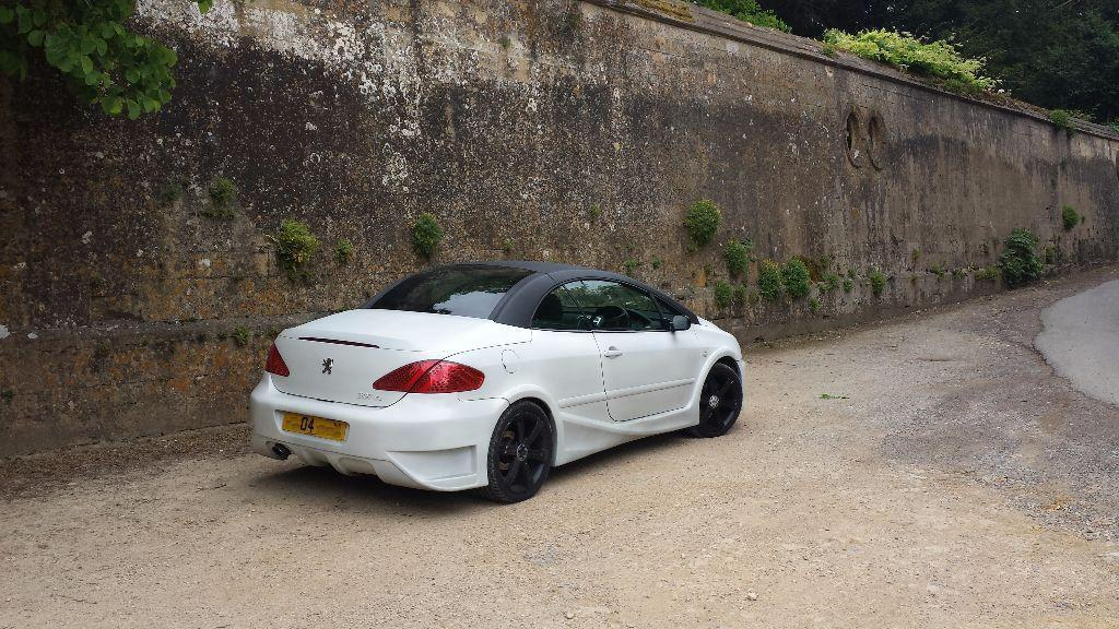 peugeot 307cc white matte modified body kit real head turner convertible ideal for. Black Bedroom Furniture Sets. Home Design Ideas