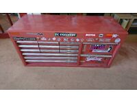 tool chest with locking key