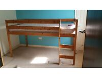 Cabin bed, solid pine
