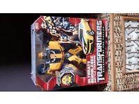 Large bumble bee transformer