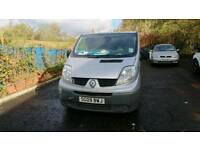 Renault traffic 2009 SPARES PARTS ONLY NEEDS AN ENGINE
