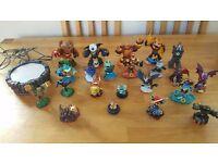 SkyLanders and Skylanders Swap Force discs portal and figures