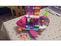 Pinypon aeroplane. Excellent condition. 3 figures with accessories included.