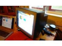 Award winning CRT monitor- Mitsubishi Diamond Pro 750SB black