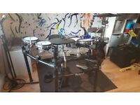 Roland TD9-KX Electronic Drum Kit with pedal, stool, headphones and mat VGC!
