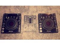 2x pioneer cdj 1000 mk3's and a djm 400 mixer