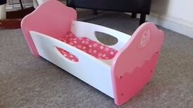 Beautuful Cupcake wooden doll cot