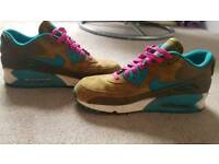Womens Nike Air Max size 6 (40)