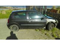 Mk2 Clio black 1.2 16v breaking