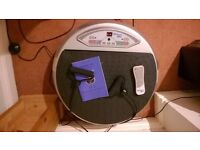 Vibrapower Vibration Plate with Arm Straps, Remote Control and Instructions