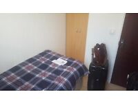 *ZONE 2: 15 SECONDS FROM THE STATION, NICE SINGLE ROOM