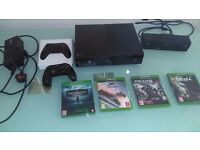 Xbox One 500 GB Kinect bundle, play & charge kit 2 wireless controllers and 4 games