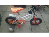 Minnie mouse bike with stabilisers £10 ono