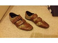 Mens Gucci shoes size 9, good condition