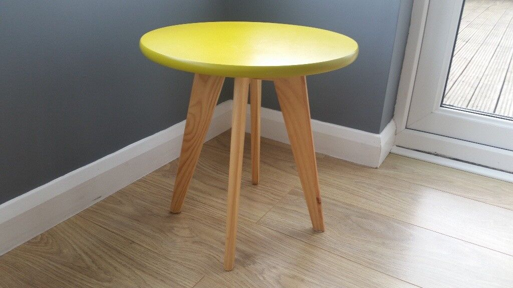 1960s Vintage Retro Style Mid Century Modern Side Coffee table with Yellow Top