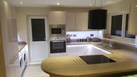 CONTEMPORARY HOUSESHARE FOR PROFESSIONALS - NO FEES FOR THE RIGHT PERSON