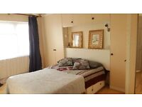 Lovely TRIPLE rooms with good sunlight in Woolwich! Hurry whilst it lasts! Rooms go very quickly!