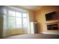 spacious 1 bedroom apartment, available to rent on Aylestone Road, Leicester LE2.