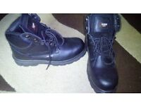 safety boots size 8 new but no box