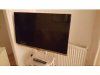 Gorgeous 32 inch Bang & Olufsen television