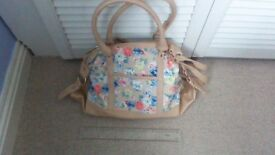 Beautiful Clarks handbag, beige with floral print, unused, a lovely summer accessory.