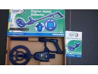 childrens battery operated digital metal detector - boxed - barely used