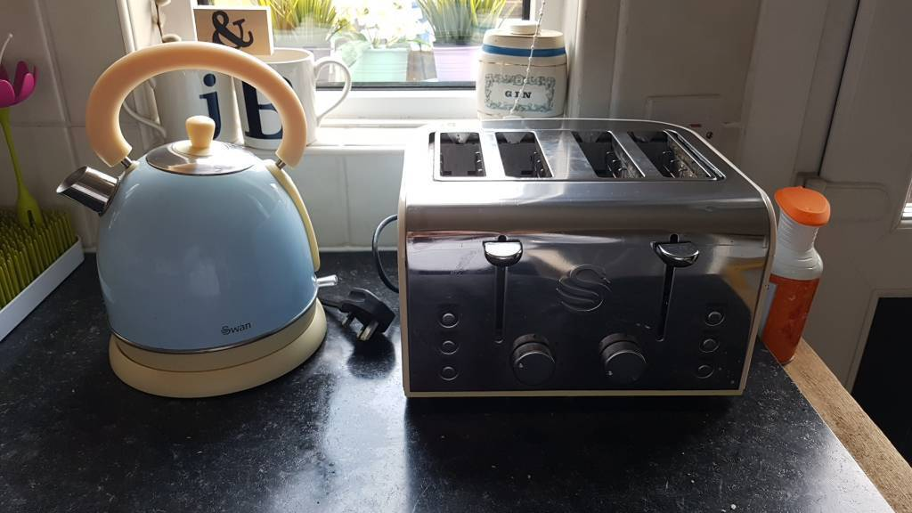 Swan kettle and toaster