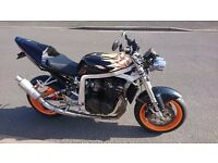Street-fighter 1991 Suzuki GSXR 1100 slingshot Respray orange/black paint job. 27000 genuine miles