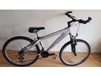 Saracen Team Aluminium Jump Bike. 10 speed. 26 inch wheels (Suit: 12 yrs to 40 yrs).