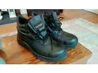 Safety steel toe tap boots