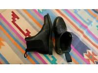 Women's Dr Marten boots UK 7 (worn once)