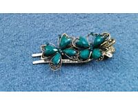 Women 2 Butterflies Hair Clasp, Brand new, Must go as soon as possible, Contact me soon as, Cheap £1